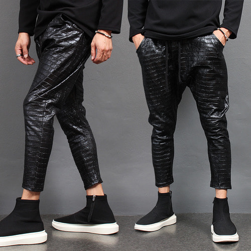 Crocodile Pattern Drop Crotch 4/5 Baggy Sweatpants