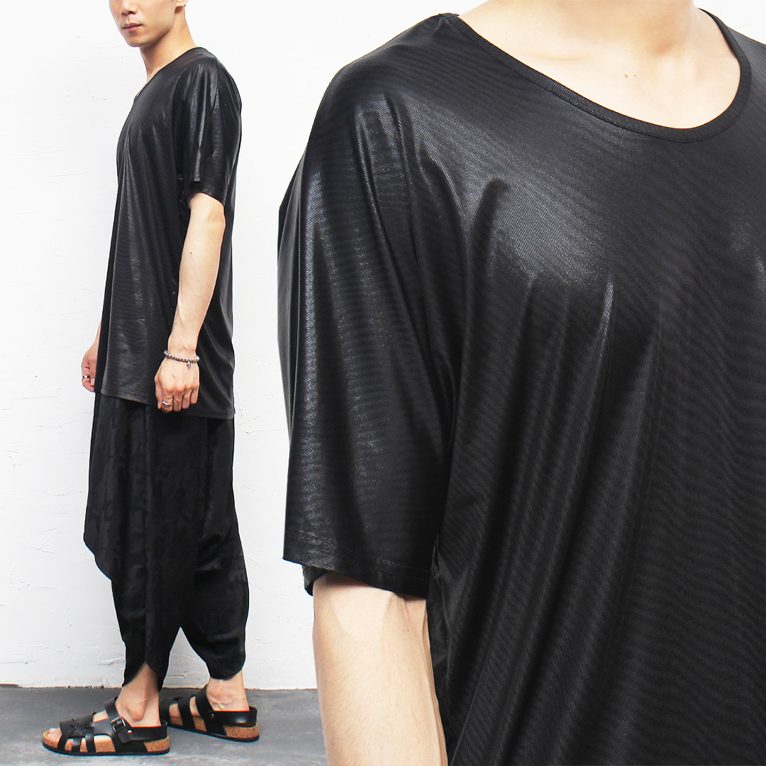 Black Shiny Wave Pattern Split Side Boxy Tee 308