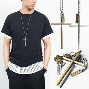 Distressed Metal Cross Pendant Necklace 01