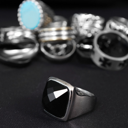 Black Onyx Surgical Stainless Steel Ring R49