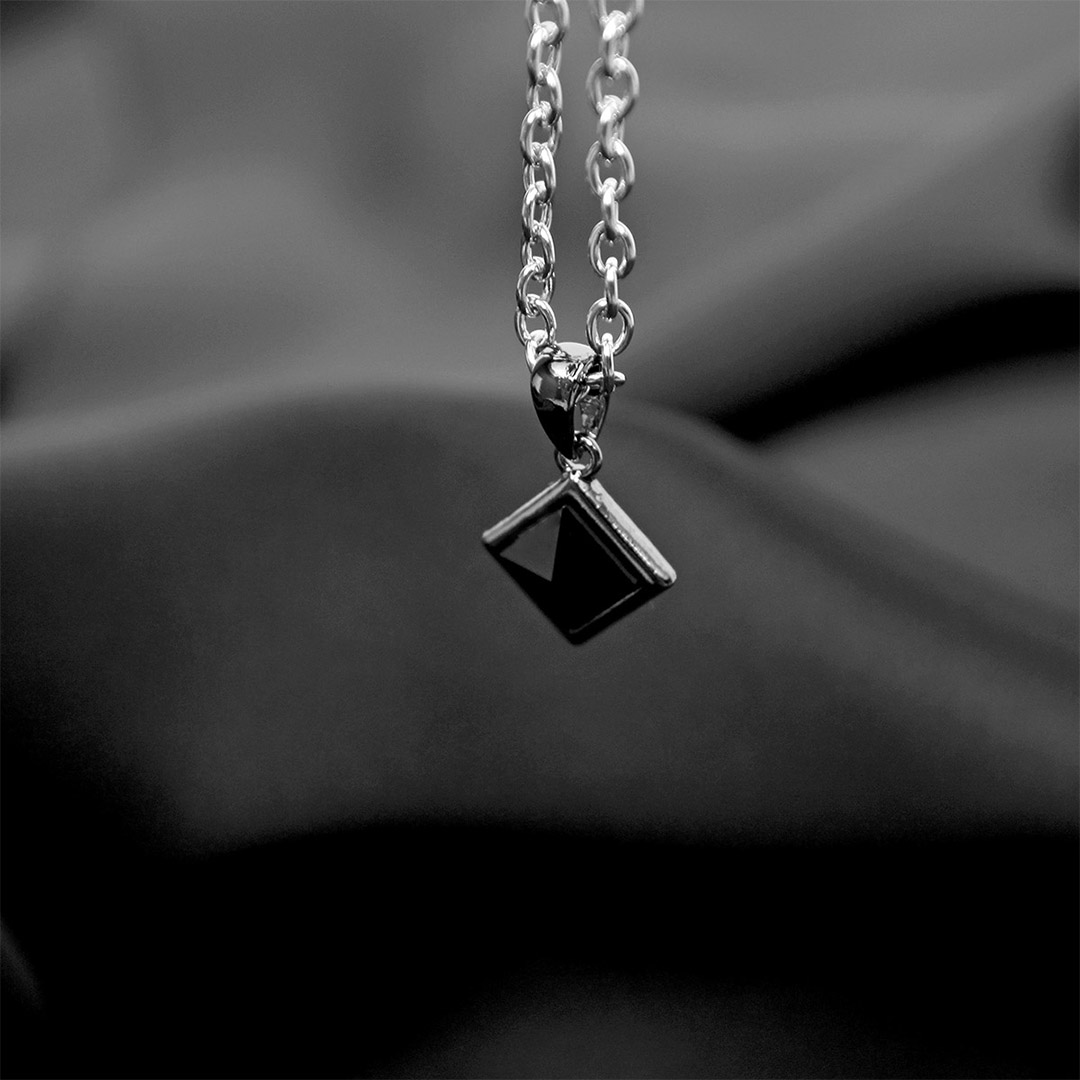 Pyramid Onyx Pendant Steel Necklace N122