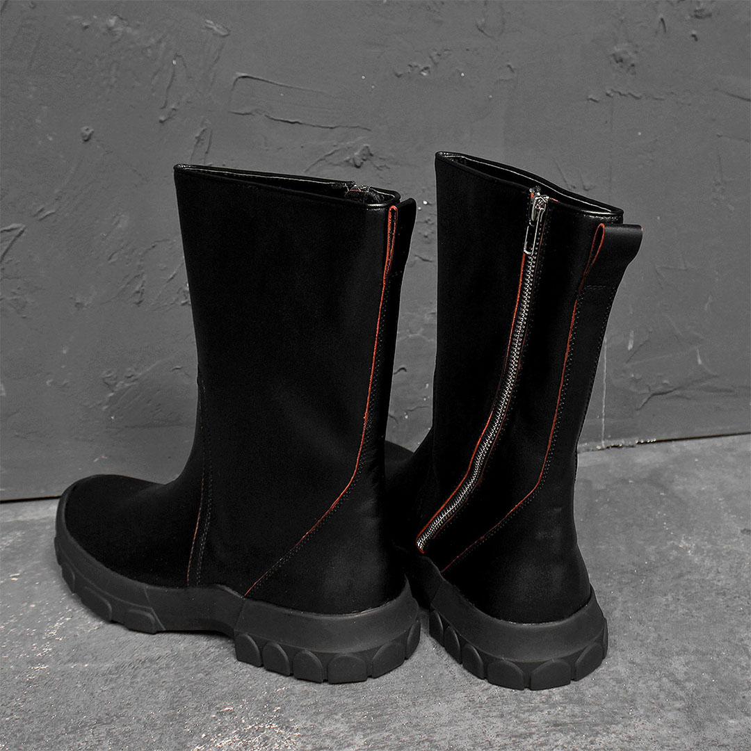 Side Diagonal Zipper Leather Boots 697