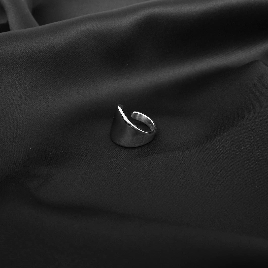Stainless Steel Comma Ring 1388